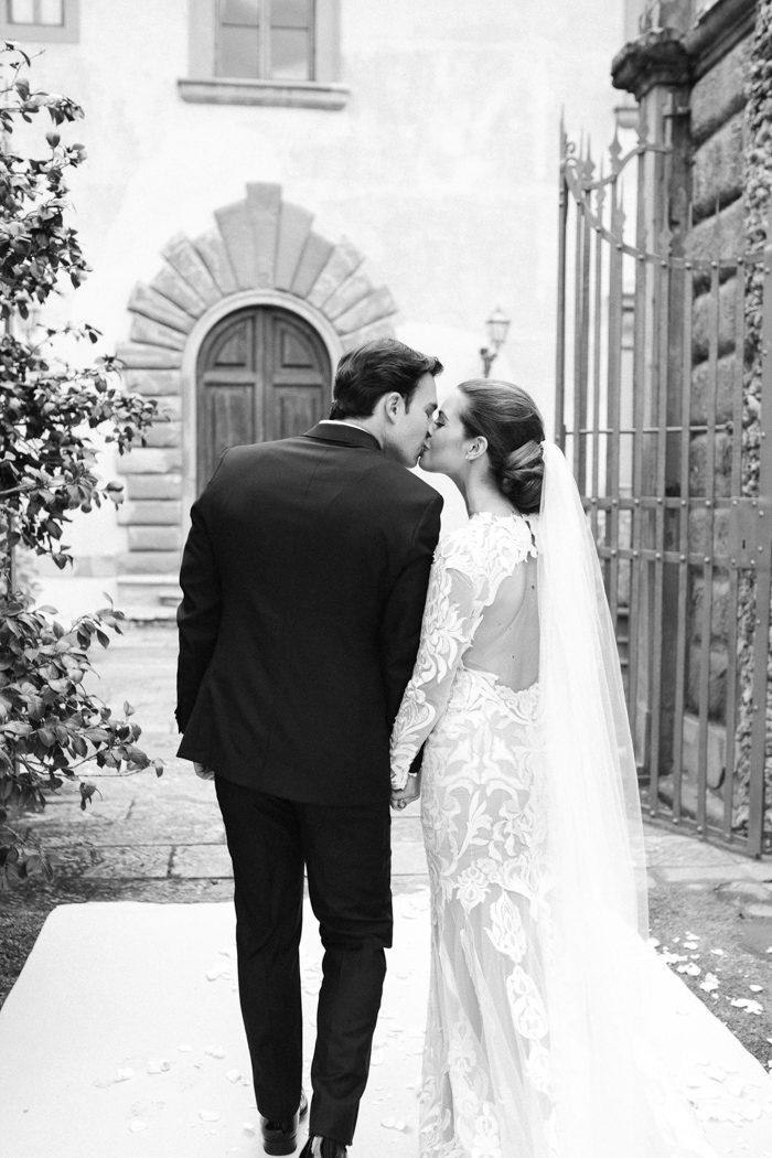breathtaking-florence-destination-wedding-at-villa-gamberaia-stefano-santucci-40-700x1050
