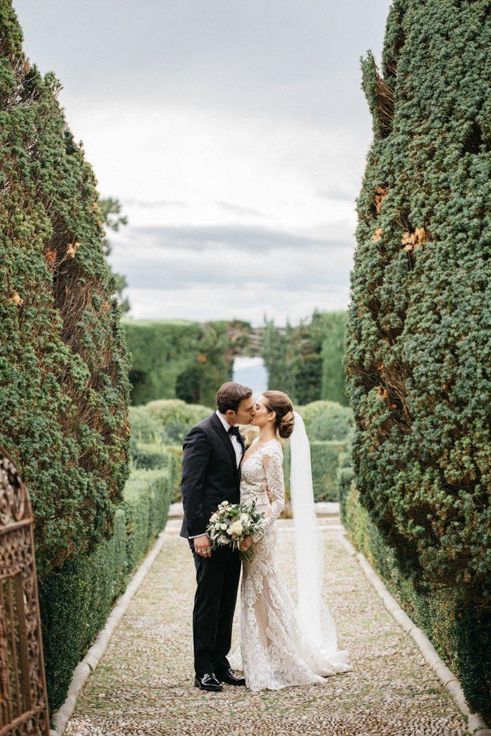 breathtaking-florence-destination-wedding-at-villa-gamberaia-stefano-santucci-45-700x1050